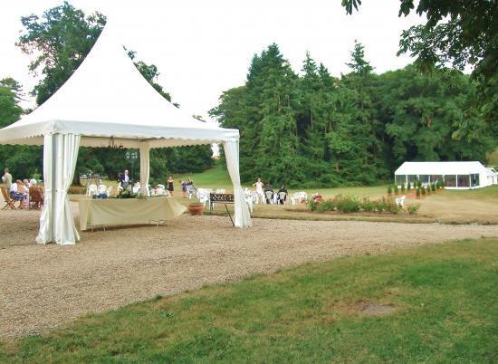Tente pagode pour le cocktail et chapiteau pour le dîner